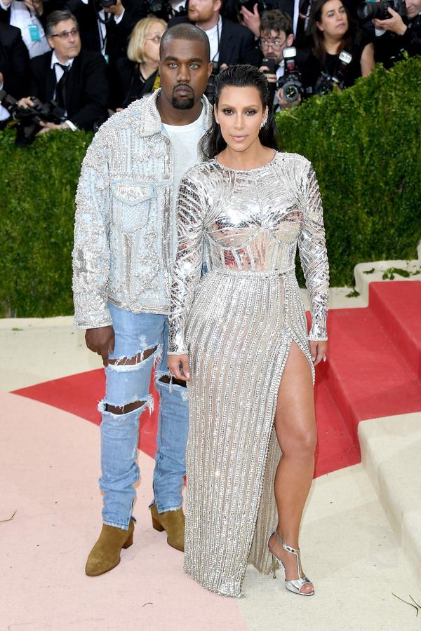 Pourquoi Kanye West fait ça à Kim ?