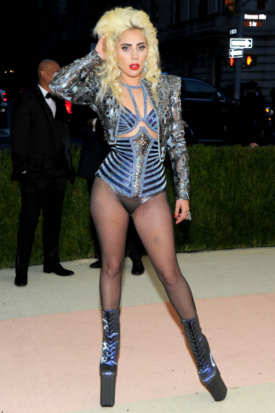 Lady Gaga toujours aussi trashy