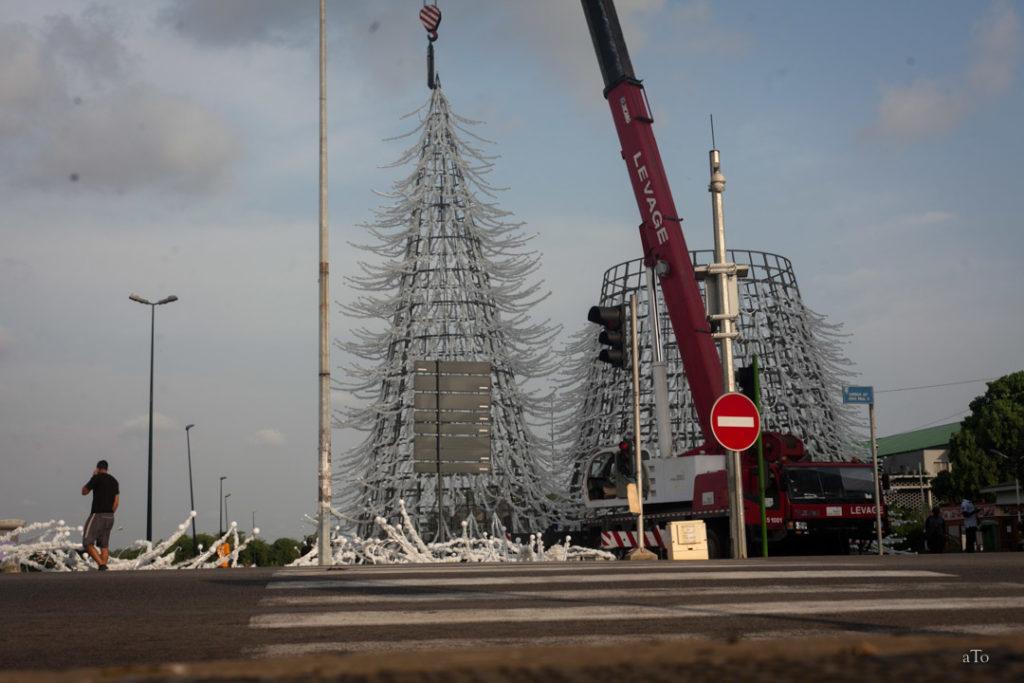 Installation du sapin de Noël